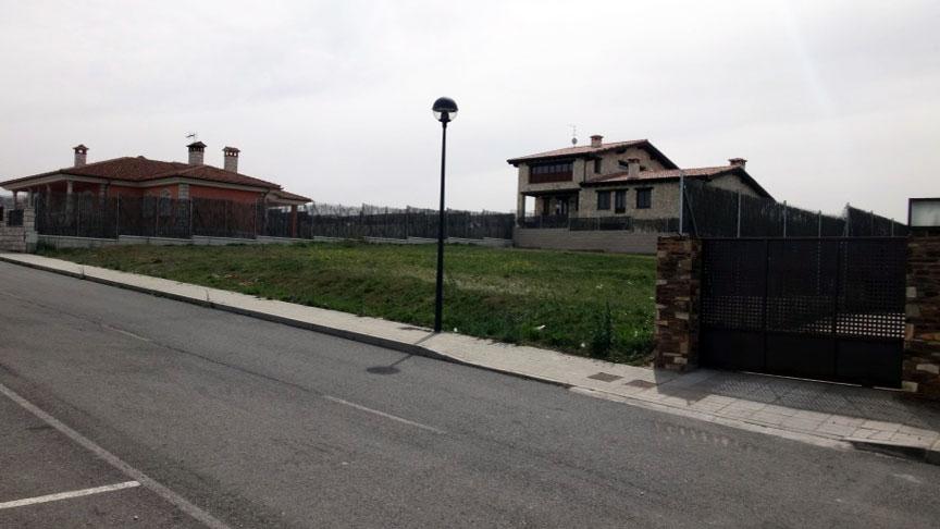 Serviced plots on the edge of Segovia